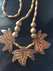 Wooden bead and pendant chain