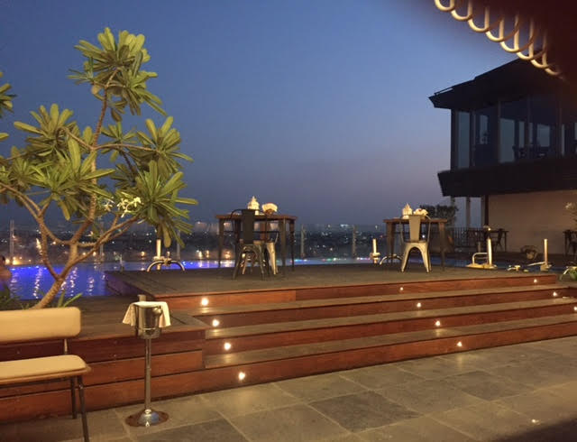 Hablife Novella, the rooftop poolside restaurant at Hotel Hablis, my thought lane