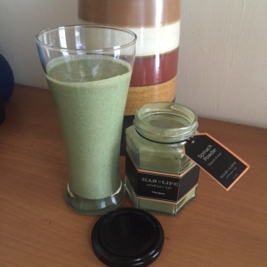 banana and spinach powder smoothie, breakfast or post workout meal option, my thought lane