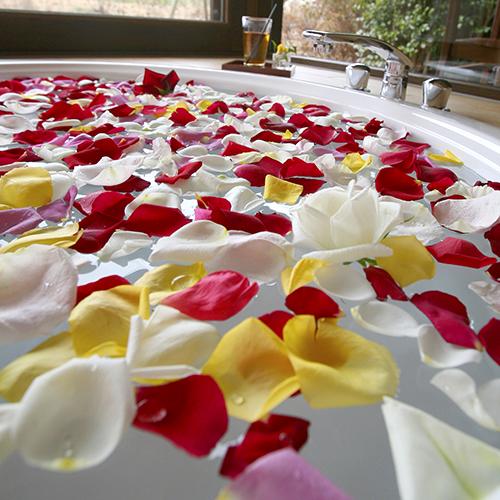 Rose-Petal-Bath