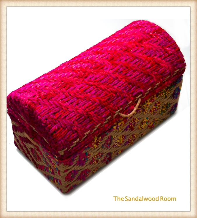 Bright and beautiful rope trunk, handwoven, with storage, the sandalwood room