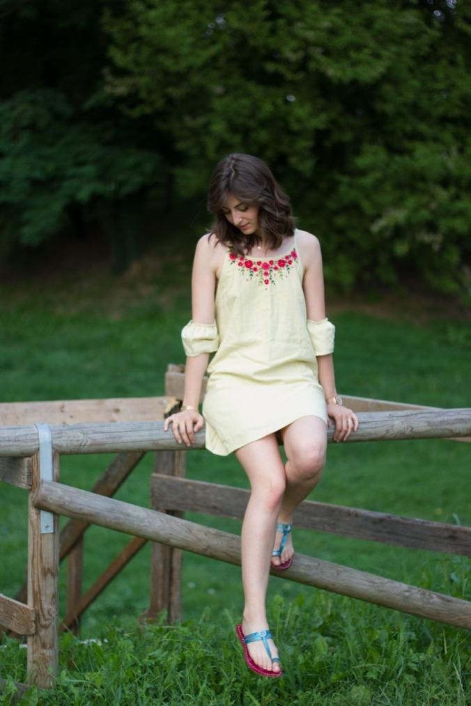 Fiori cold shoulder dress summery yellow handembroidered Amortela, mythoughtlane
